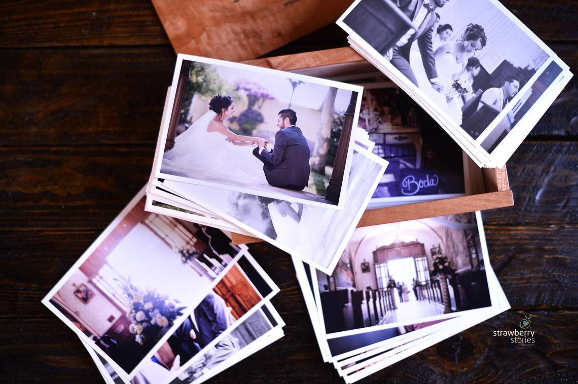 Entrega_de_fotos_impresas_en_Strawberry
